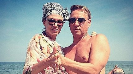 Дмитрий Харатьян станцевал на пляже с Эвелиной Бледанс