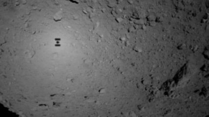 На поверхность астероида Рюгу сели японские роботы