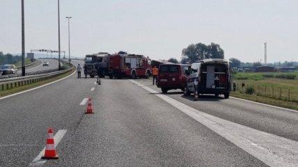 В Хорватии разбился автобус: 10 человек погибли, еще 44 травмированы в ДТП (фото, видео)