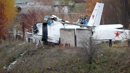 Самолет L-410 после падения в Татарстане