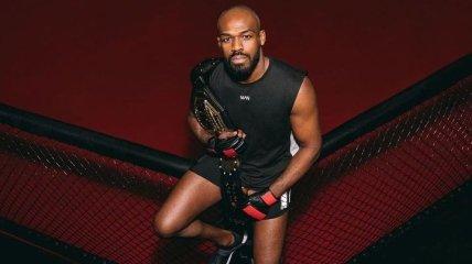 Джон Джонс объявил о приостановке карьеры в UFC