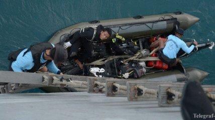 """В Яванском море зафиксировали сигналы """"черных ящиков"""" Air Asia"""