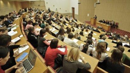 Преподавателям с нового года повысили зарплаты