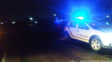 Под Одессой автомобиль переехал насмерть женщину, лежащую на дороге (фото)