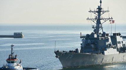 Американский эсминец в Черном море: Российский корабль приступил к слежению