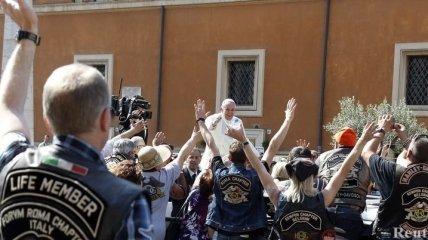 Папа Римский благословил тысячи байкеров