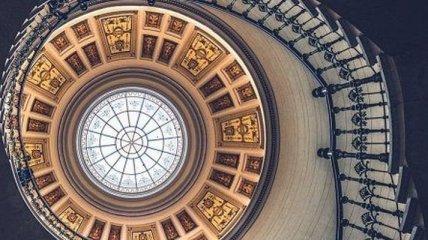 Симметричная архитектура, которую оценят перфекционисты (Фото)