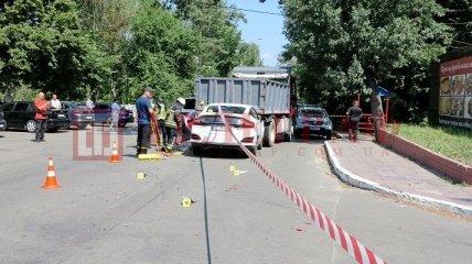 В Киеве пьяный на Honda снес скутер и врезался в самосвал, есть погибший - детали и фото ДТП