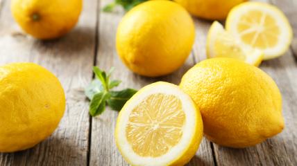 Лимоны ценятся за их наполненность витаминами.