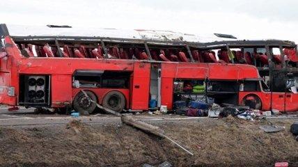 Тела двух женщин не могут опознать: свежие данные о жертвах и причинах аварии с украинцами в Польше