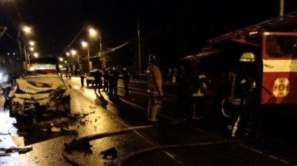 Смертельное ДТП в Харькове: Lanos въехал в полицейский автомобиль (Видео)