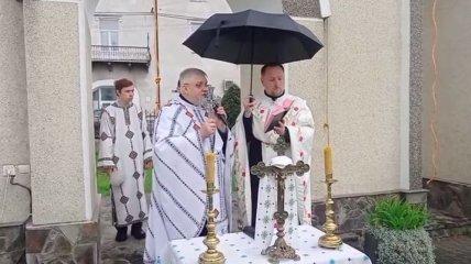 Черга за ковідом: як святили паски в різних регіонах України в 2021 році (фото і відео)