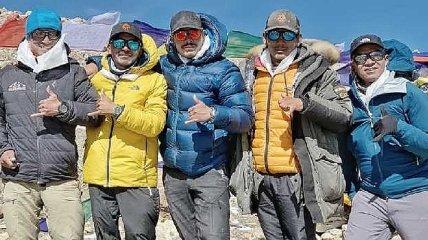 Непальский альпинист побил новый мировой рекорд