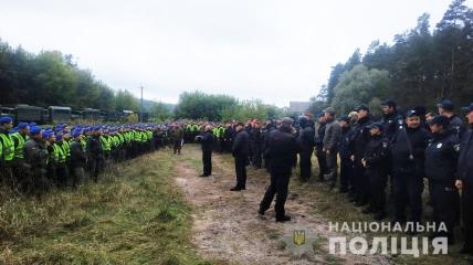 На прочесывание леса, где орудовали киллеры, направили сотни военных, которые нашли бездыханное тело мужчины