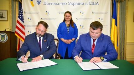 По результатам переговоров заключил три соглашения о сотрудничестве