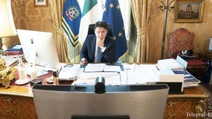 Италия возобновляет работу промышленности: Конте обозначил сроки