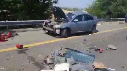 Девять авто столкнулись в Ростовской области, среди погибших - дети (видео)