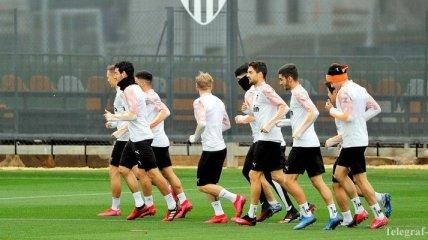 Пять футболистов в Испании сдали положительный тест на коронавирус