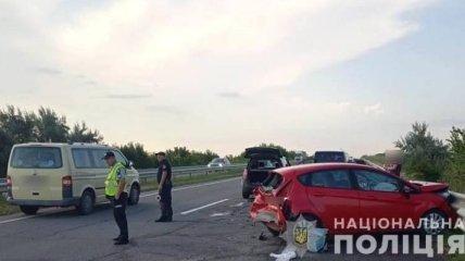 Три человека пострадали в тройном ДТП на трассе Киев-Одесса (фото)