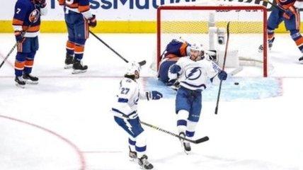 Уровень НХЛ: три шайбы за 27 секунд (Видео)