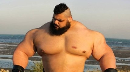 Иранский Халк дебютирует в кулачных боях (Фото)