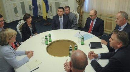 Премьер Украины встретился с главой МИД Австралии