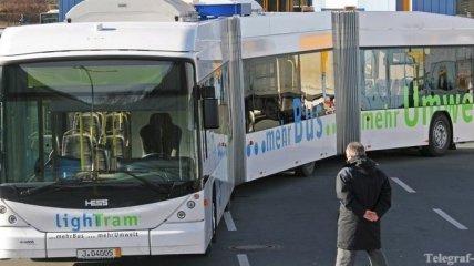 В Китае начат выпуск гибридных автобусов на солнечных панелях