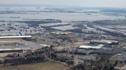 Наводнение в США: в Небраске затоплена военная авиабаза