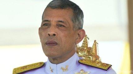 Король Таиланда подписал указ о всеобщих выборах