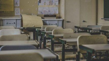 Мальчиков учат вышивать крестиком: в сети активные споры вокруг уроков труда в украинских школах