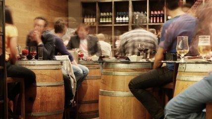 Исследователи рассказали, почему алкоголь вреден для застенчивых людей