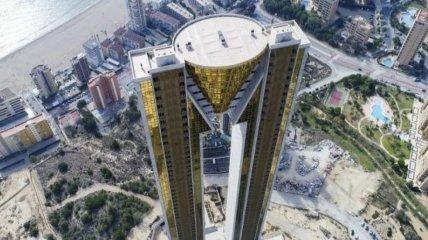 В Испании построили самый высокий в ЕС небоскреб: как выглядит жилье европейцев и россиян за 2 млн евро (фото, видео)