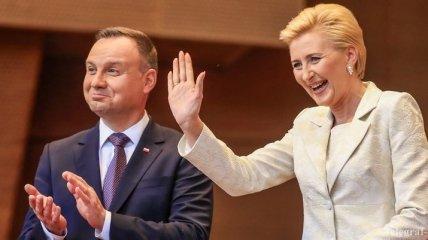 Первая леди Польши станцевала под крики протестующих в США
