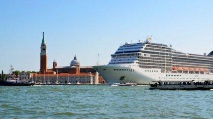 Италия закрыла Венецию для круизных лайнеров: в чем причина решения
