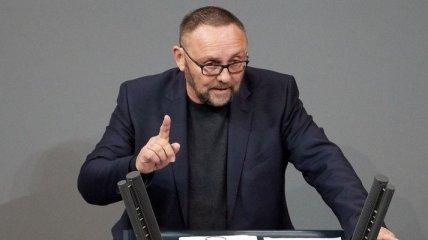 Неизвестные в масках избили депутата Бундестага