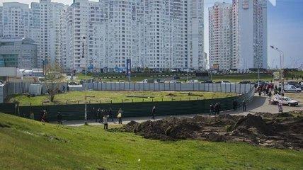 На скандальном строительстве в Киеве новая потасовка