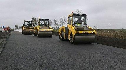 Президент уверен, что за время его каденции в Украине отремонтируют все дороги