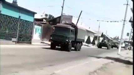 Сотни жителей эвакуированы, число пострадавших растет: что происходит на границе Кыргызстана и Таджикистана (видео)