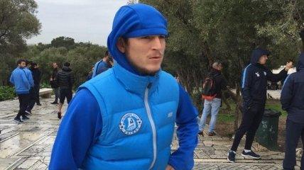 Роман Зозуля продал футболку за 33 500 гривен в помощь воинам АТО