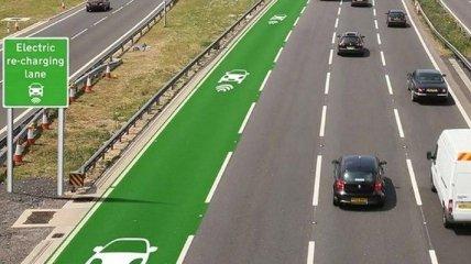 Дороги будут заряжать электромобили