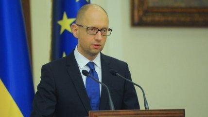 Яценюк убежден, что санкции открыли путь Минским договоренностям