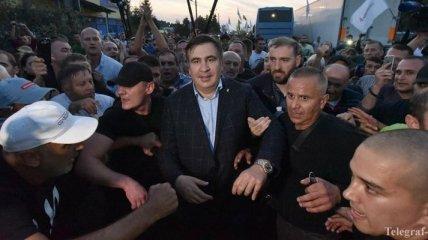 Иск Саакашвили к Порошенко приостановлен из-за отвода судей