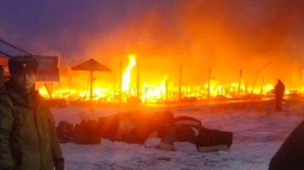 В России выгорел полевой лагерь путинских военных: последние данные и видео