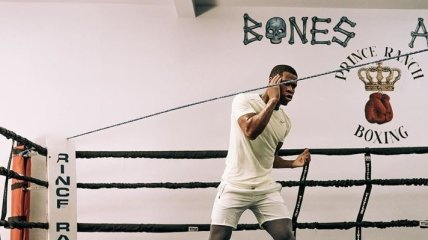 Американский боксер Хэйни дал прогноз на бой Ломаченко - Кэмпбелл