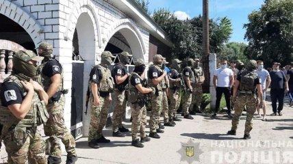 Конфликт между местными жителями и ромами на Харьковщине: полиции пришлось вмешаться