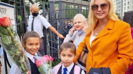 Камалия с дочерьми