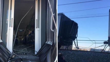 В Москве возле Лужников на ходу разорвало поезд