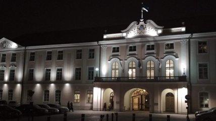 Парламент Эстонии собирается, чтобы выразить недоверие премьеру