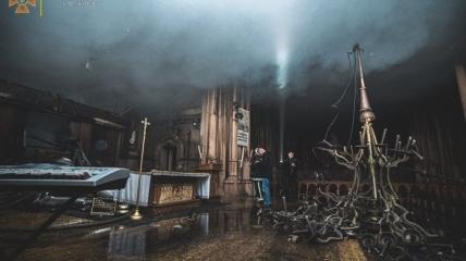 Последствия пожара в костеле Святого Николая в Киеве