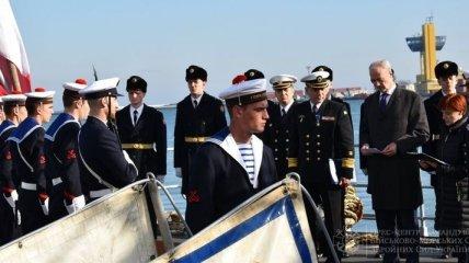 Командующего ВМС Украины Воронченко наградили национальным орденом Франции